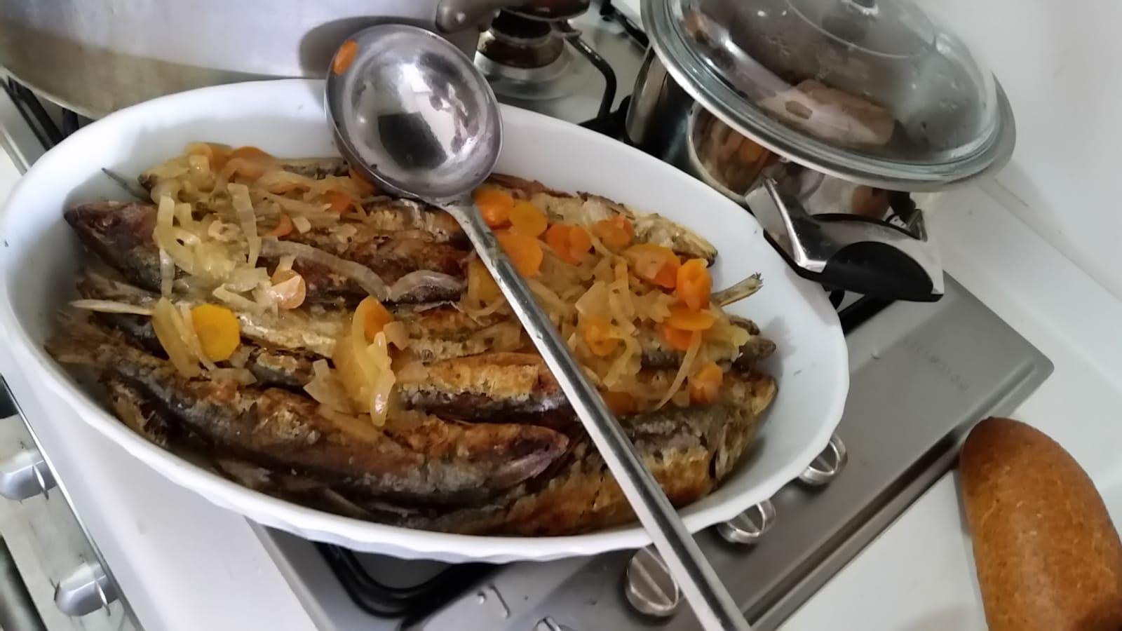 Agone in carpione: ricetta estiva per gli amanti del pesce